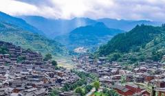 年接待量超600万,旅游总收入达49亿,这个偏远贫穷村寨是如何做到的?